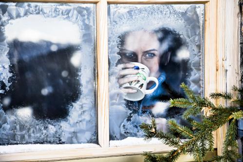 凍てつく窓