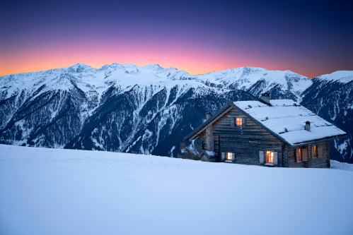 寒い場所に建つ家