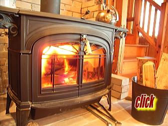 薪ストーブは炎が見えて楽しめる